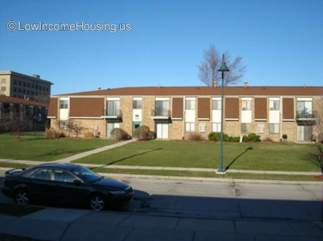low income apartment application online